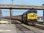 CSX 393 & 466 head west on BNSF with Detroit Edison empties