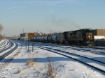 CSX 7535 & 7330 pulling into Bensenville with Q588 from CSX