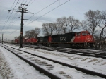 M399 pulls its' train down around Markham Yard