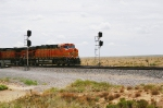 BNSF 7661 splitting the signals