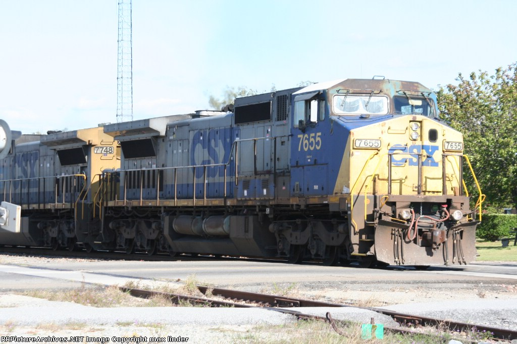CSX 7655 leading James E Strates Circus Train p908-28