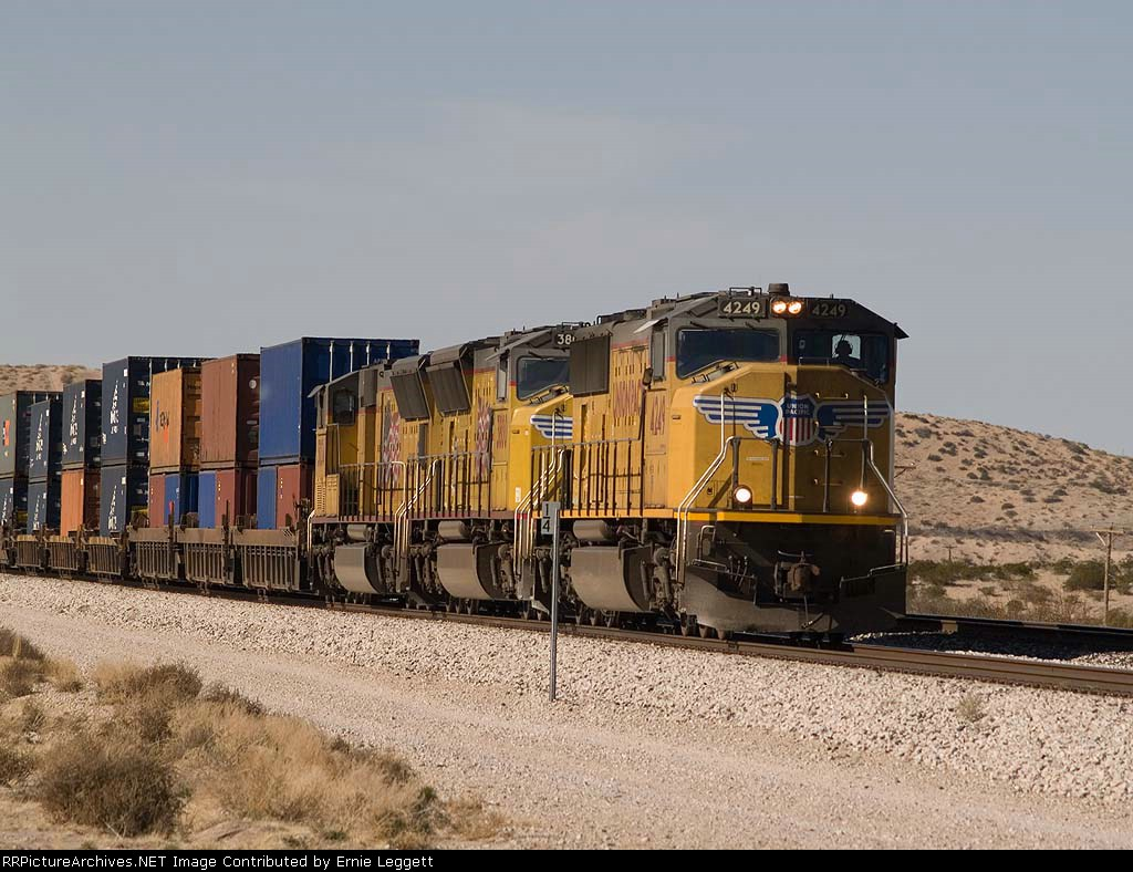 UP 4249 leads an EB doublestack at 1:21pm