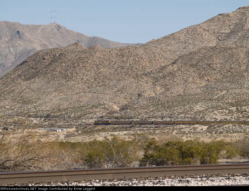 UP 5299 (STUVN) heads towards El Paso at 1:36pm