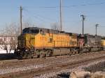 UP 9777 leads a WB manifest (MFWWC - Fort Worth to West Colton) into the Alfalfa yard at 4:16pm