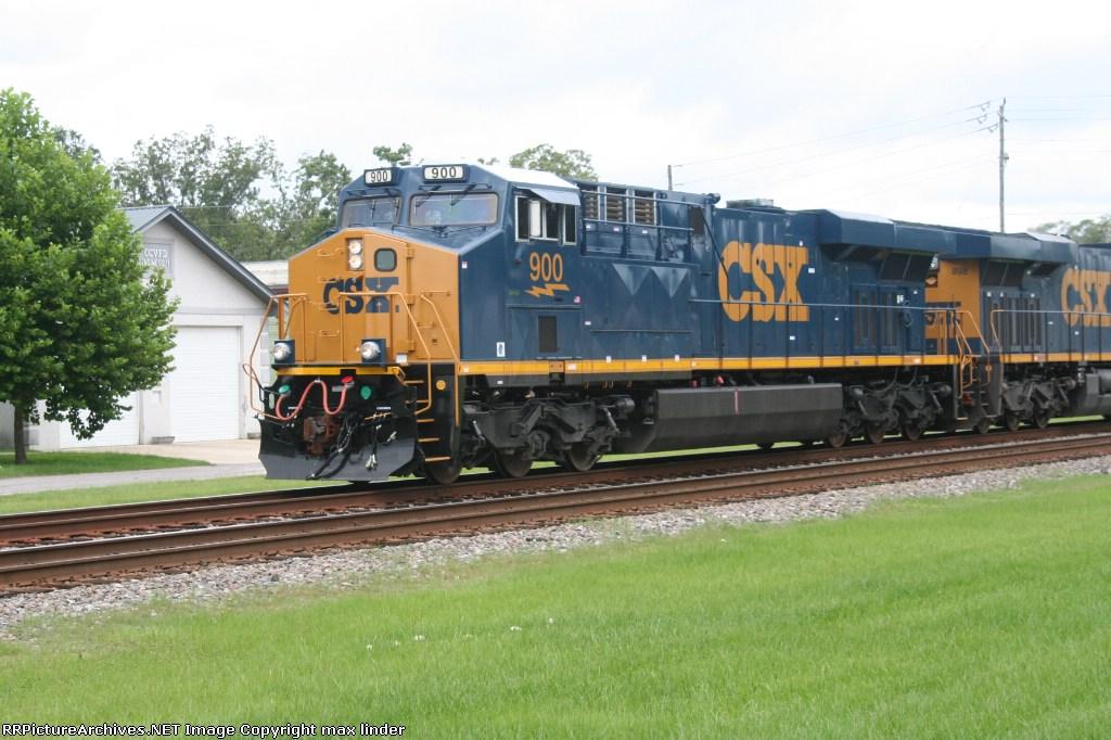 CSX 900