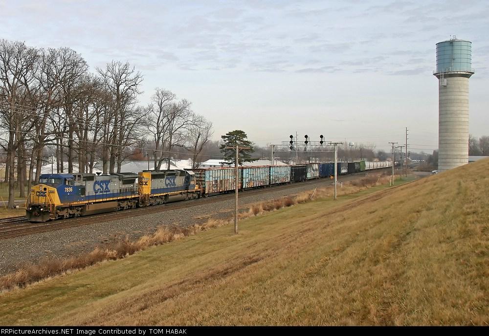CSX 7836 on Q393-09