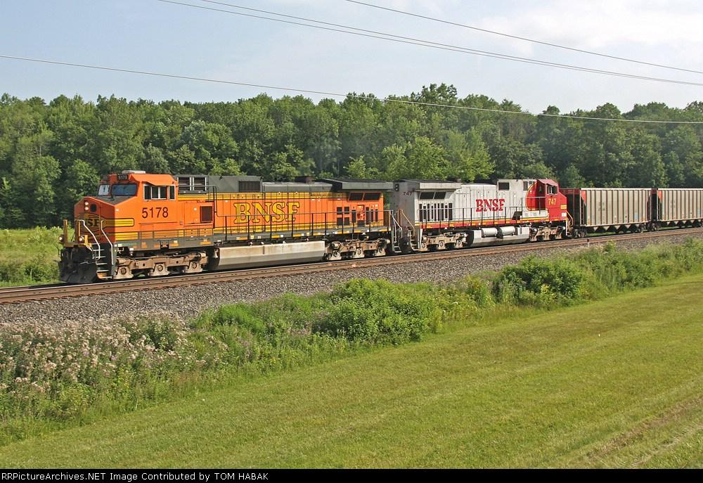 BNSF 5178 on CSX E942-10