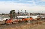 BNSF 604 on CSX Q371-30