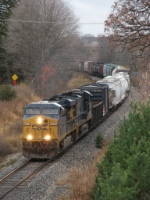 CSX 5473 & 5400 wind their way east with Q334-09