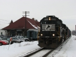 B30, Z644 to CSX, sits next to the old joint PM/MC station