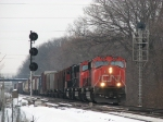 CN 5707 splits the signals at Cedar with M393