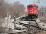 CN 2536 holds short of the spring switch with M385