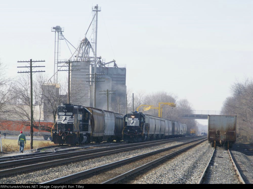 Switching out an industry along the Harrisburg Line
