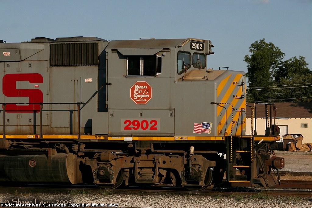KCS GP40-2 2902