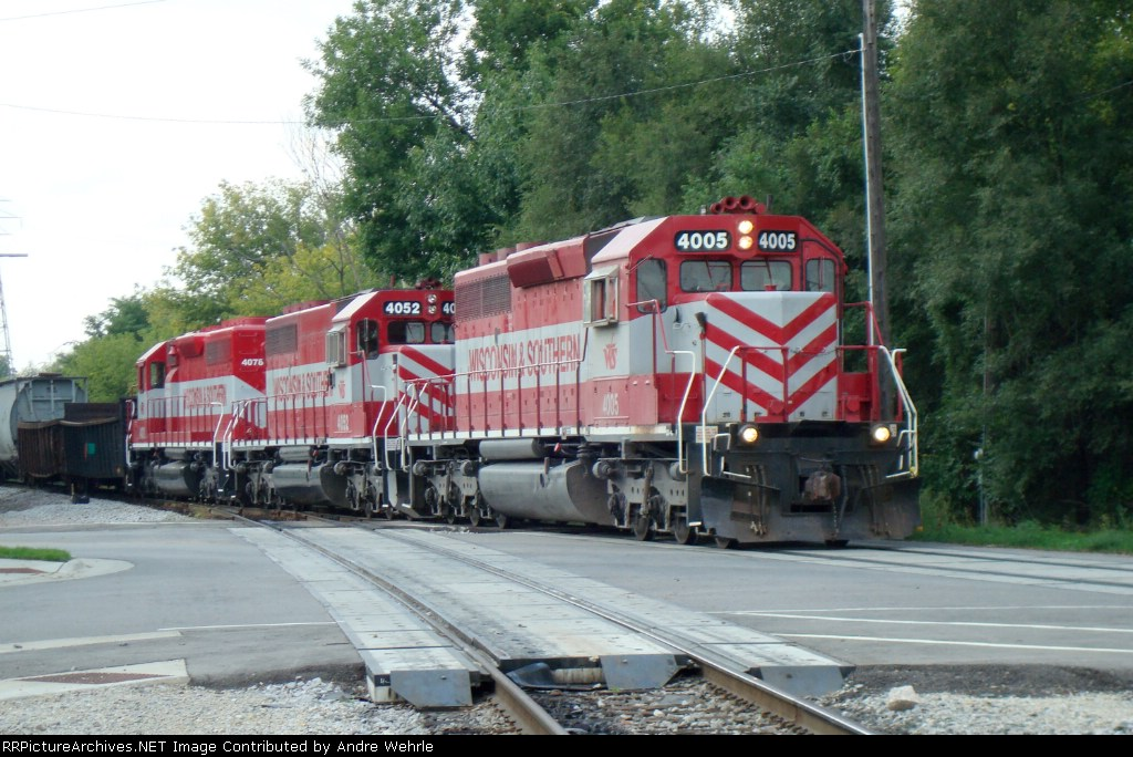 WSOR 4005 and company crossing Delavan Dr. heading for Chicago