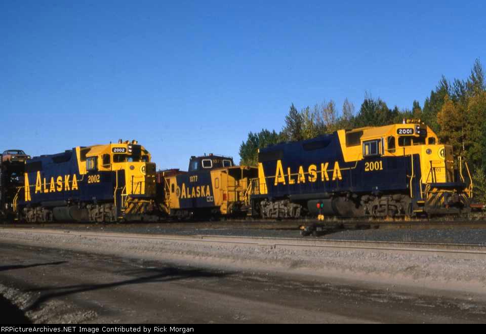 Alaskan GP38-2s