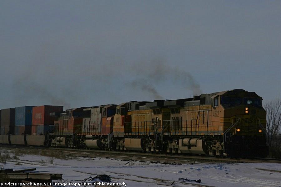 BNSF 4572