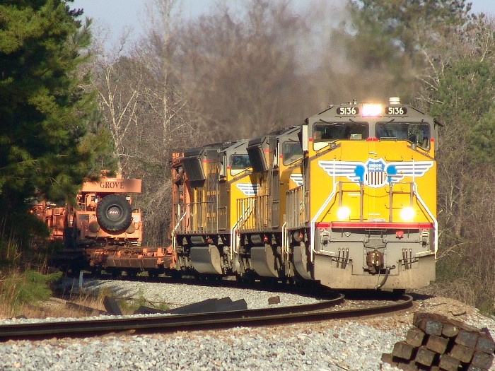 UP 5136, UP 3949 & UP 5137
