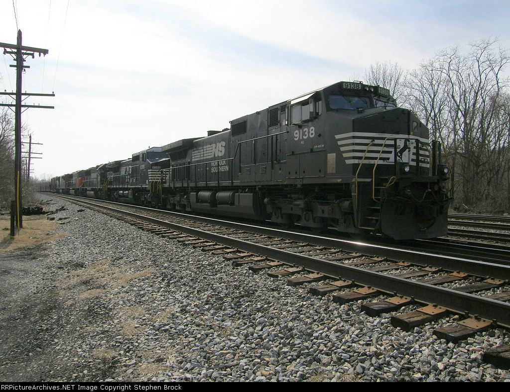 NS 9138 pushes her team back to the station where she will regroup with the north bound manifest