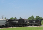 Lead units on the 44T grain train headed to Pilgrim's Pride