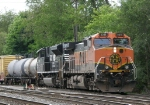 BNSF 1011 brings the V92 into the yard