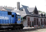 Westbound CSX 2476 (former Conrail) passes old depot