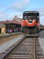 PW 3903 Comes to Putnam as a shopper's excursion train