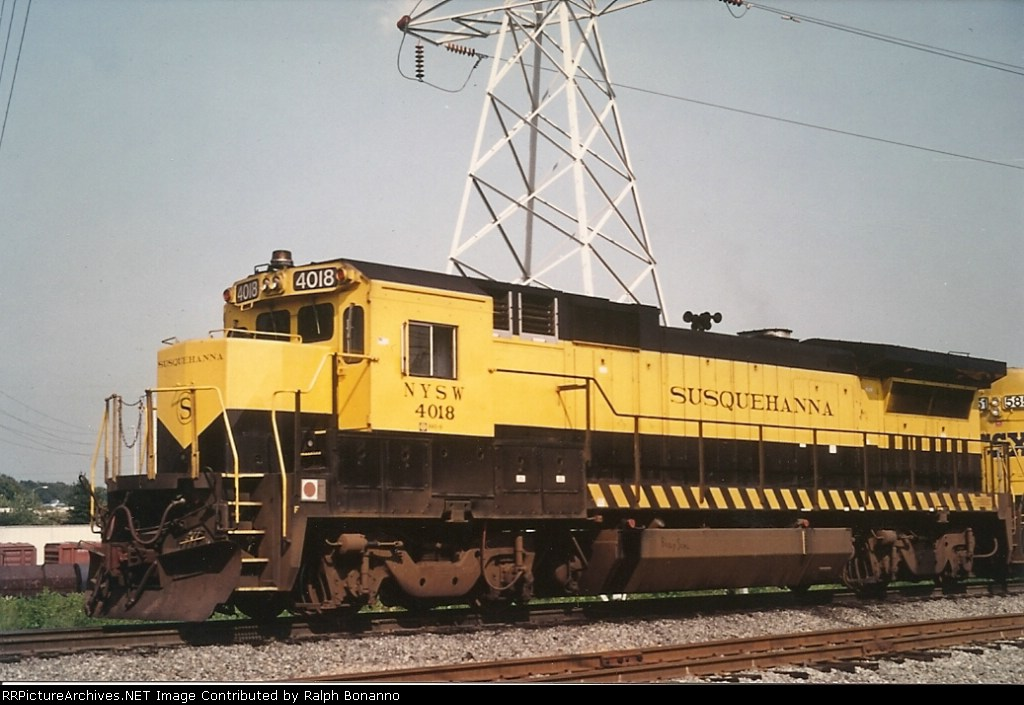 """Soon to gain CSX numbers and paint, #4018 waits  to go """"home"""" to CSX"""