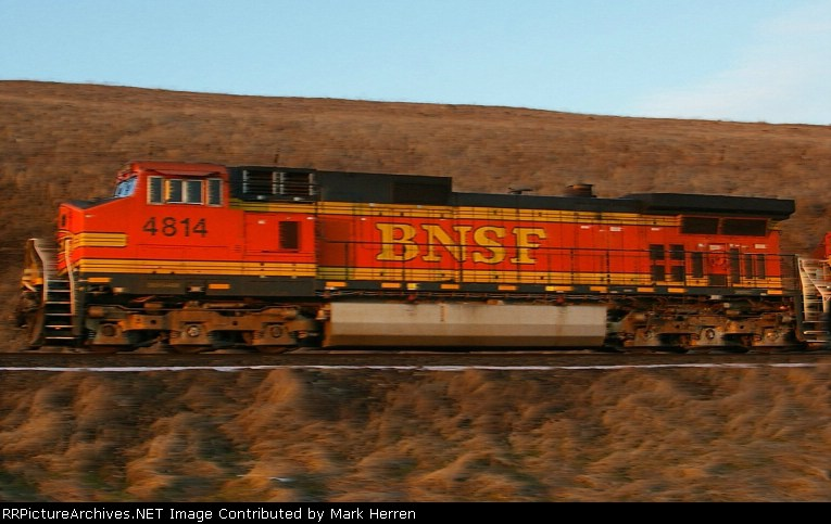 BNSF 4814 in Action