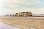BNSF 8927 with empty hoppers Rozet, WY