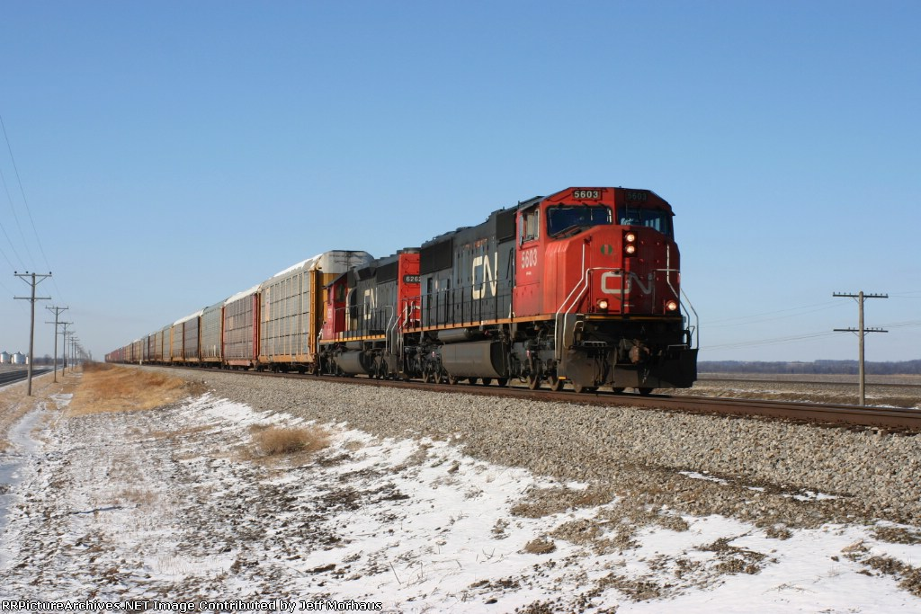 CN 5603 Heads east on this nice 7 degree day.