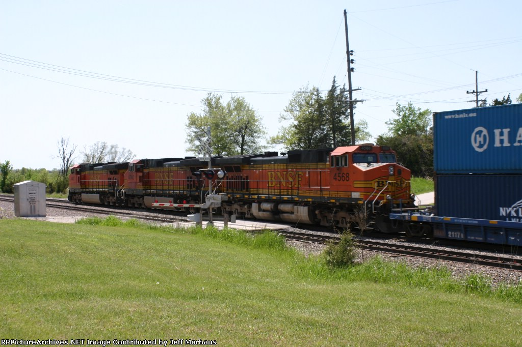 BNSF 4568  Westbound freight crossing over Santa Fe Ave.