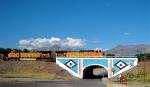 BNSF 5475 Leads across the Eastern Gateway