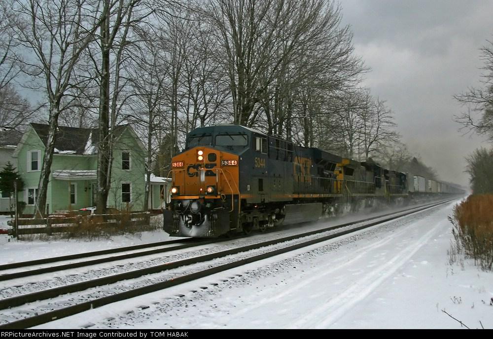 CSX 5344 on Q153-22