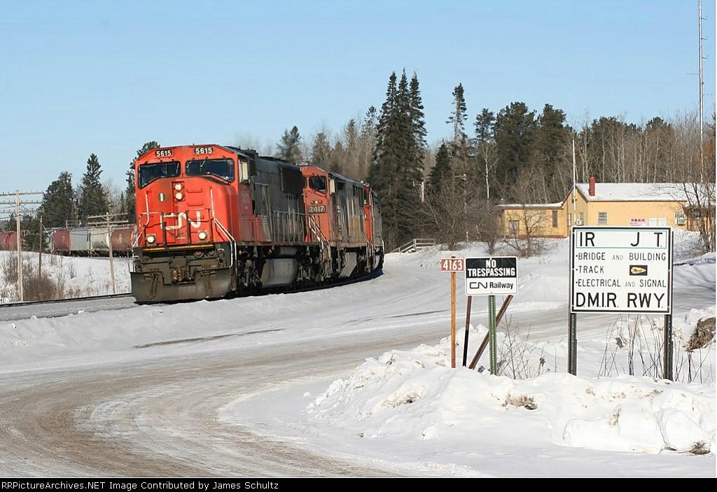 CN SD70 leads Potash