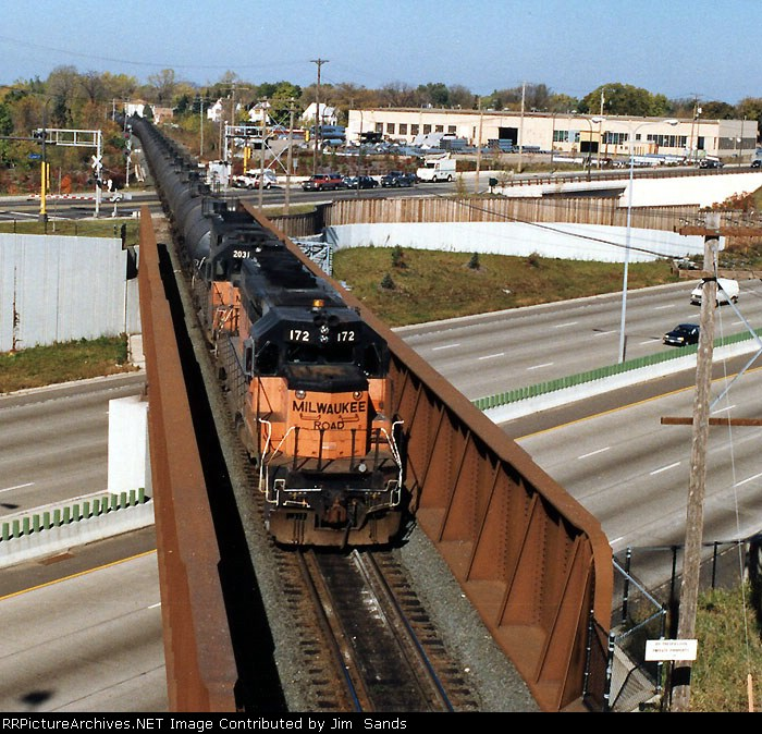 MILW 172 Glycol train crossing over I-94 in Minneapolis, MN