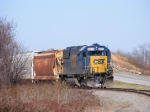 CSX 8529 does some switching