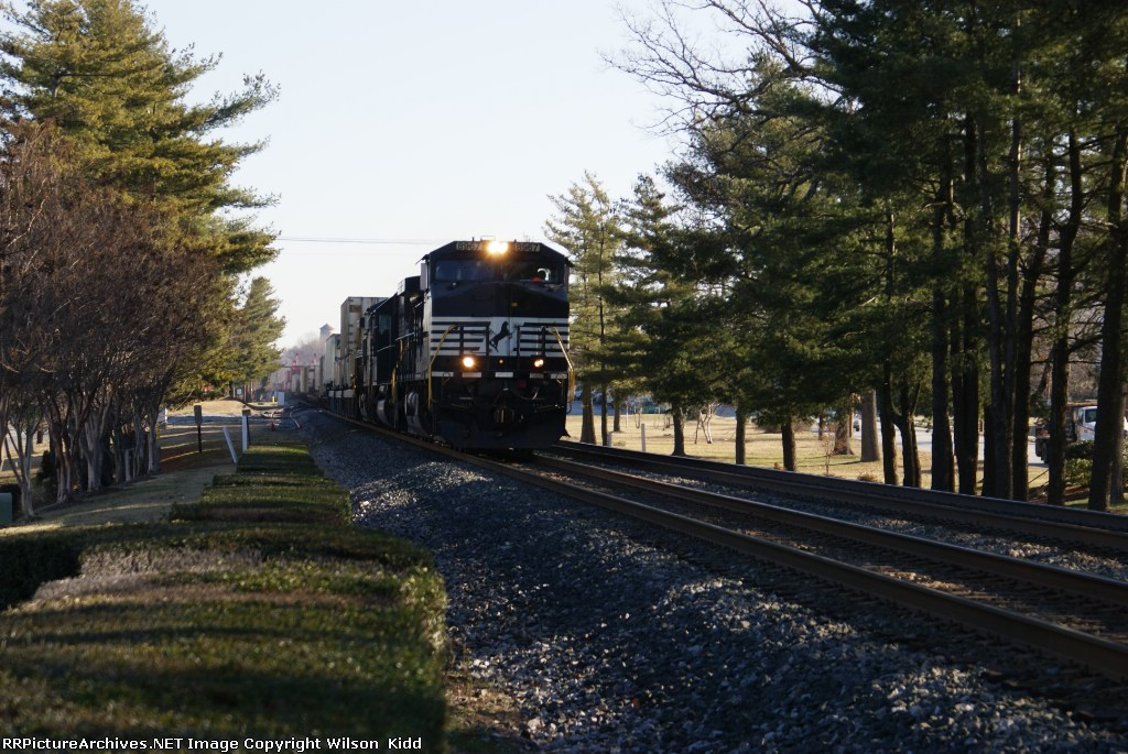 NS 8967 south bound