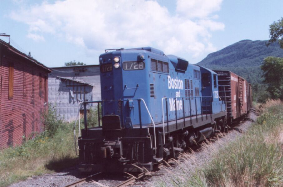 BM 1728 with freight