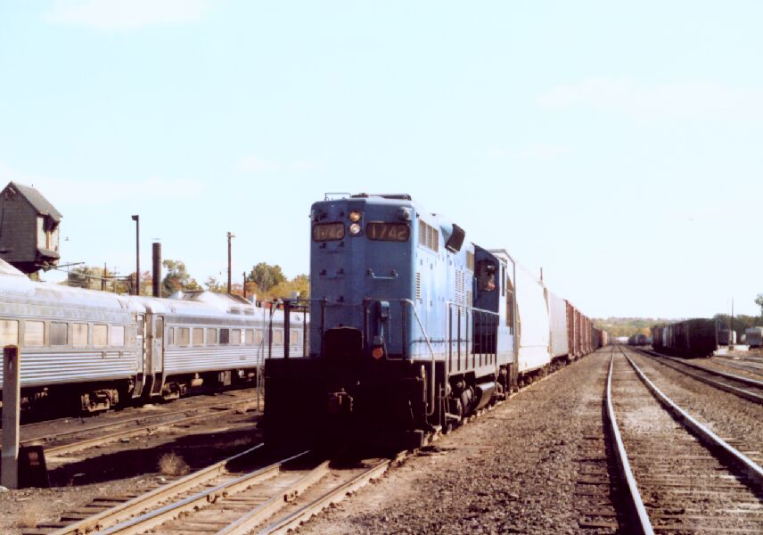 B&M 1742 on a freight train
