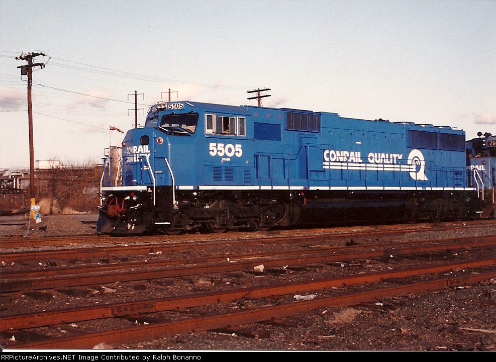 Still clean and new looking, SD60M 5505 sits at Oak Island