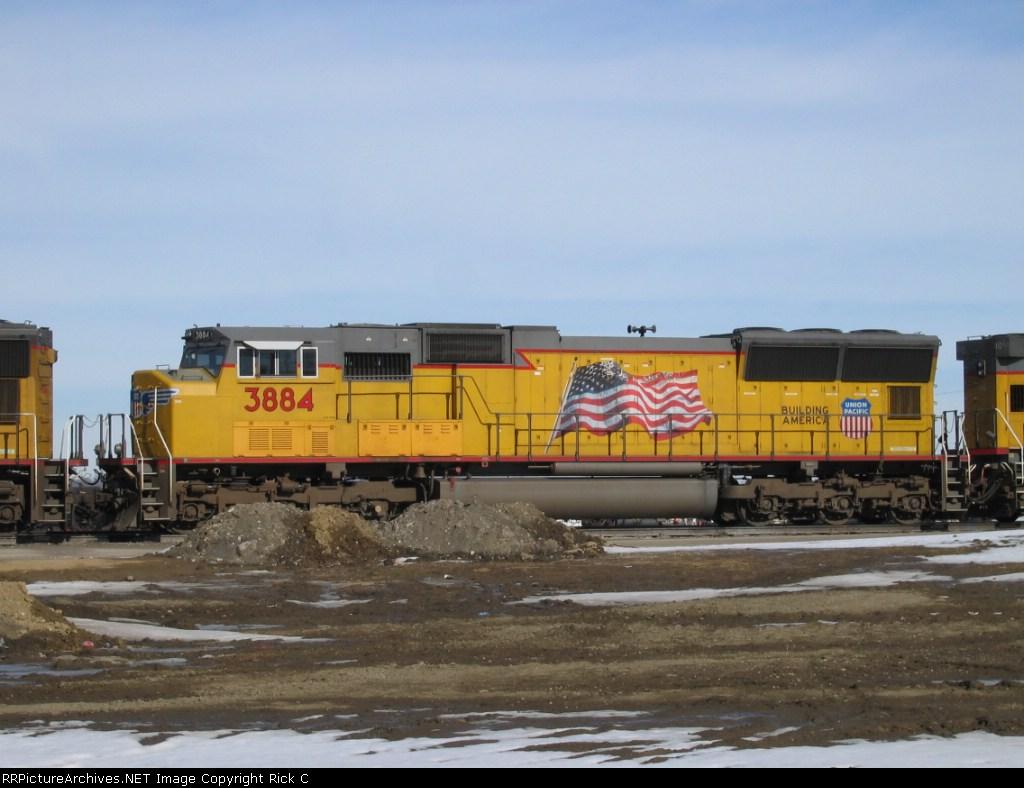 UP 3884