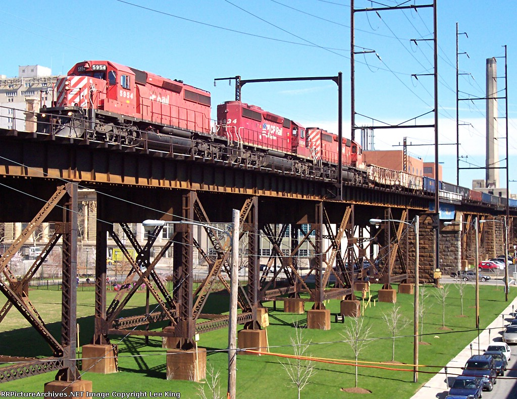 NS i0J / D&H 166 / CP 408 on the high line