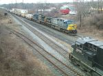 CSXT Q190 meets NS 67Z