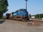 CSX Q118 rolls south in the river line still in conrail colors