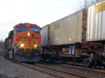 BNSF 7750 leads mixed freight WB