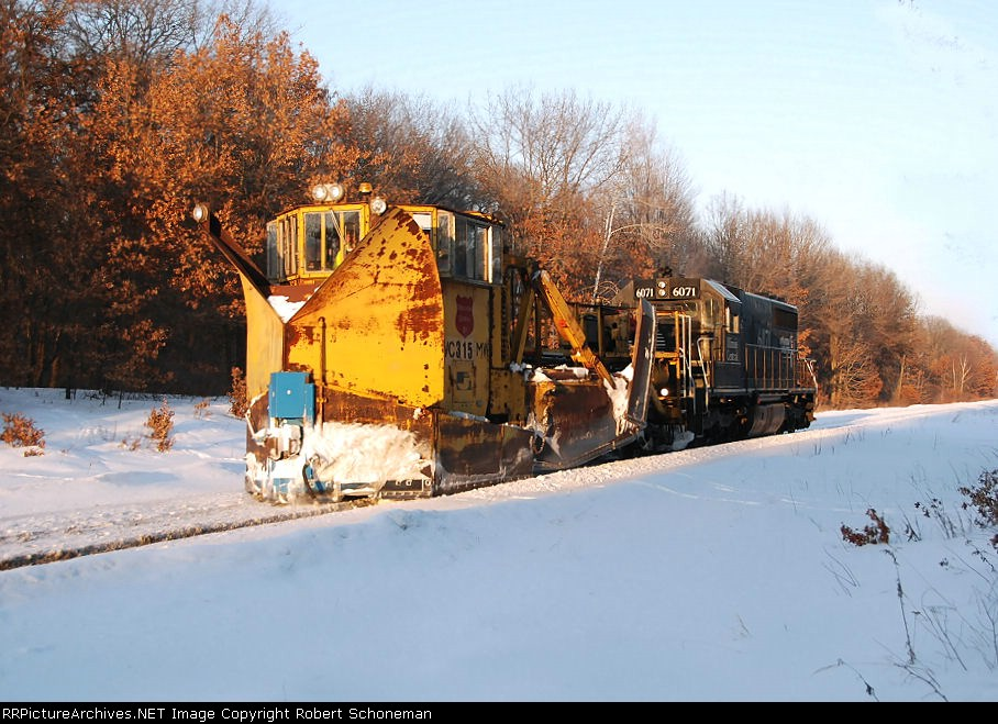 Plowing the GBW ROW 2-23-08 Rare SD40 original demo IC 6071