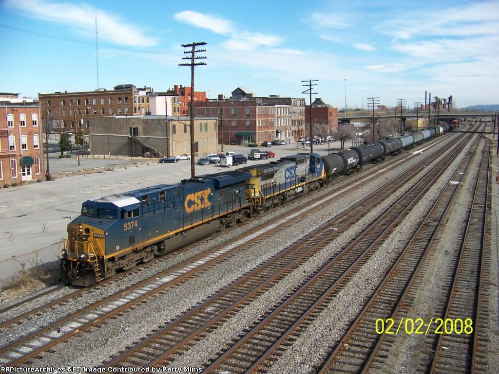 CSX train Q577 heads south