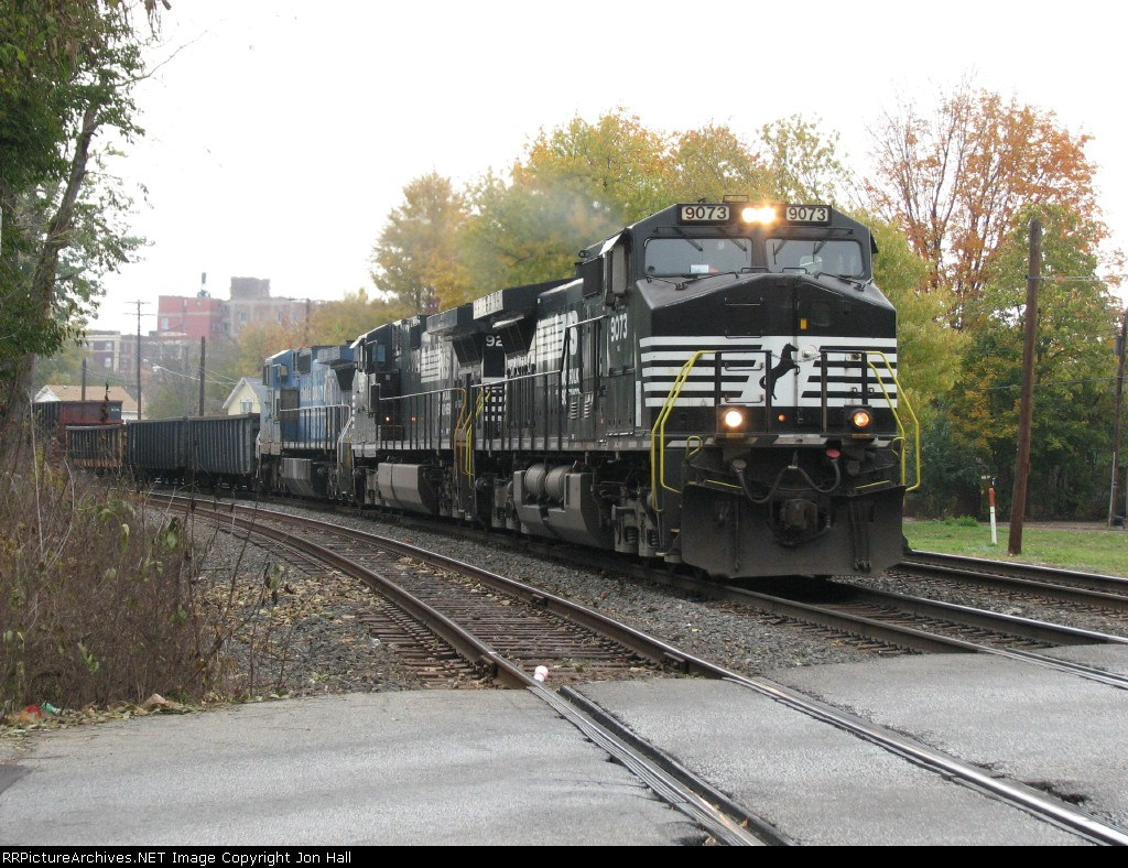 NS 9073 leads 143 through the curve in CP421