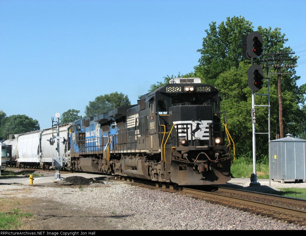 14E heads east past the 238.8 signals